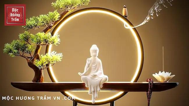 Mẫu thác xông trầm Phật