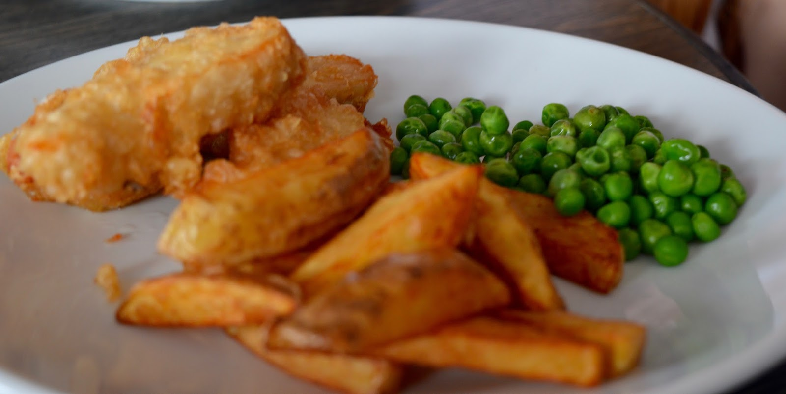 The best new restaurant in Whitley Bay - Evan's Bistro | Evening and Children's Menu Review  - homemade chicken nuggets and chips