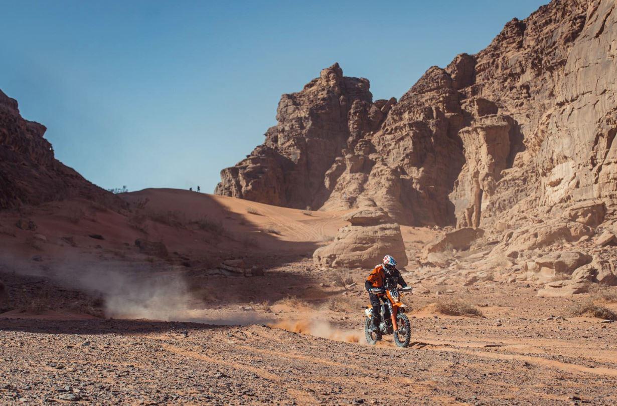 الدراج الإماراتي محمد البلوشي يفوز بلقب الدرّاجات النارية في رالي باها الأردن