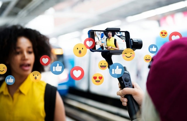 how retail brands leverage influencer marketing social media retailer advertising