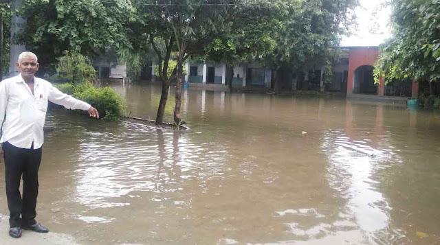 govt-school-tigaon-waterlogging