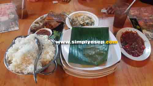 PACKAGE 4: The 4th package at Singkil Ulam Restaurant is indeed right for 4 people to eat. Photo of Asep Haryono