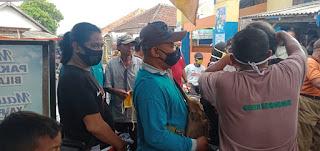 AJP Bersama Muspika Leces Lakukan Baksos Bagi Masker