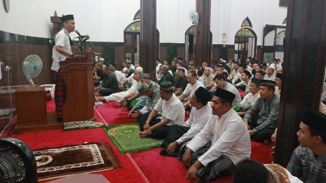 Dewan Masjid Usulkan Sholat Tarawih Dua Shift