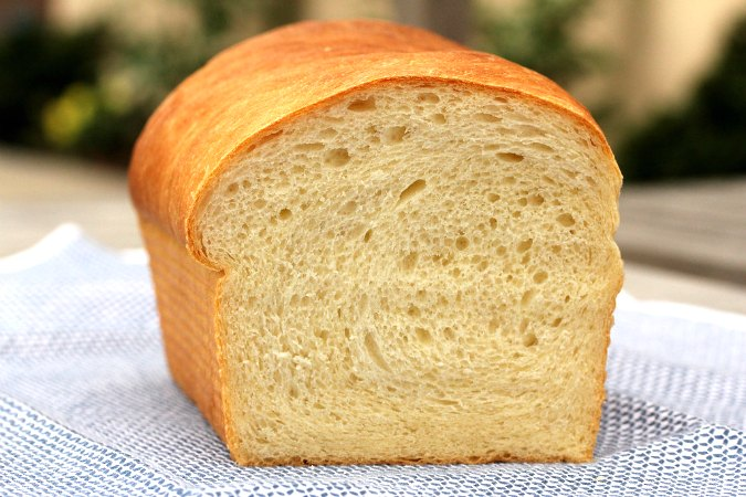 White Sandwich Bread crumb
