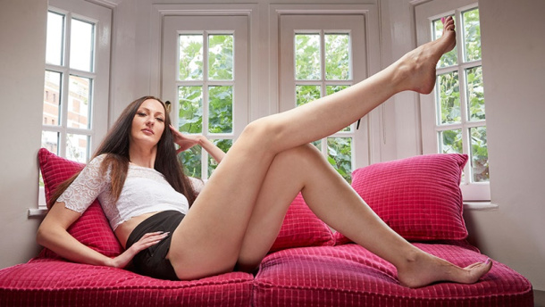 Longest legs to the tallest cat - Some of this year Guinness World Records Makers