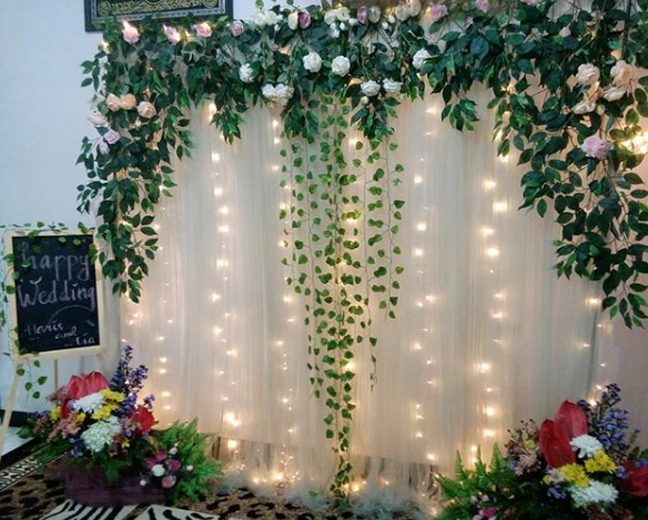 Dekorasi Backdrop Photobooth Pernikahan Unik