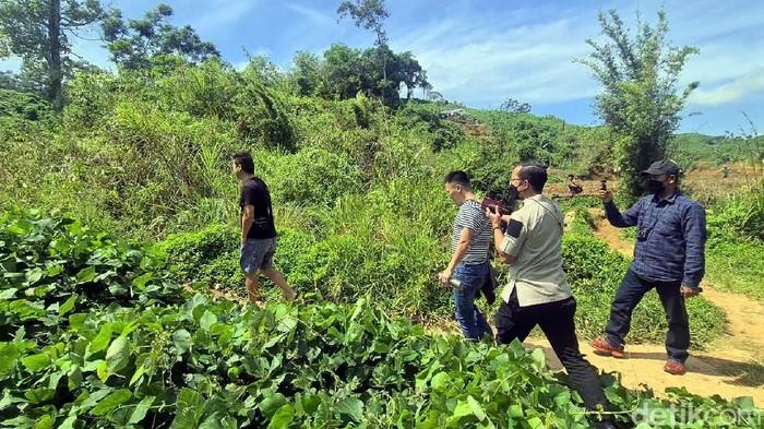 Bikin Resah Warga, Sejumlah WN China Bebas Berkeliaran di Area Tambang Akhirnya Ditangkap Petugas Imigrasi