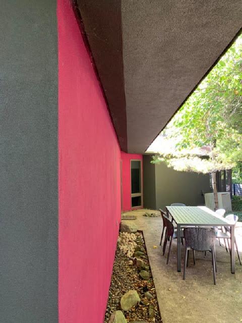 Phong cách color block khi được áp dụng trong nhà phố thì như thế nào?