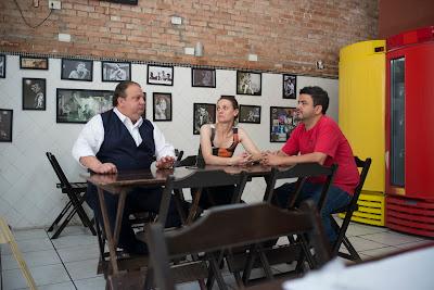 Erick Jacquin conversa com Elaine e Itamar, proprietários do Saia do Padre - Divulgação/Band