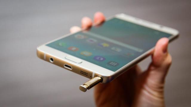 ظهور مواصفات هاتف سامسونج القادم Galaxy Note 7 ويحمل الجهاز الحالي المُختبر رقم النموذج SM-N930V، وكان ستيف هيميرستوفير قد كشف سابقًا عن امتلاك سلسلة هواتف نوت القادمة لرقم النموذج SM-N930، وذلك عبر تغريدة نشرها على حسابه الرسمي في تويتر. عالم التقنيات بسام خربوطلي