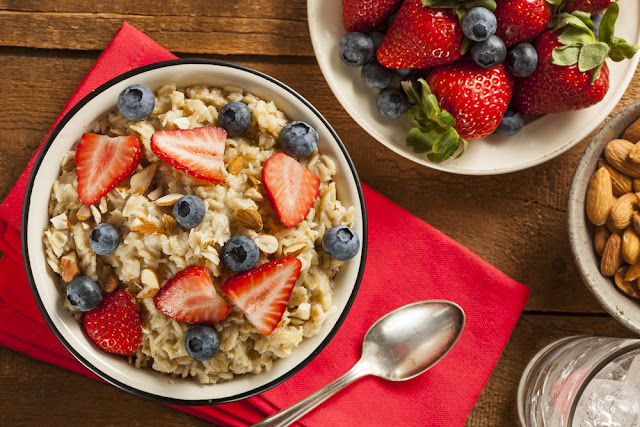 Add a hot bowl of oatmeal and berries to your plant-based breakfast ideas and enjoy!