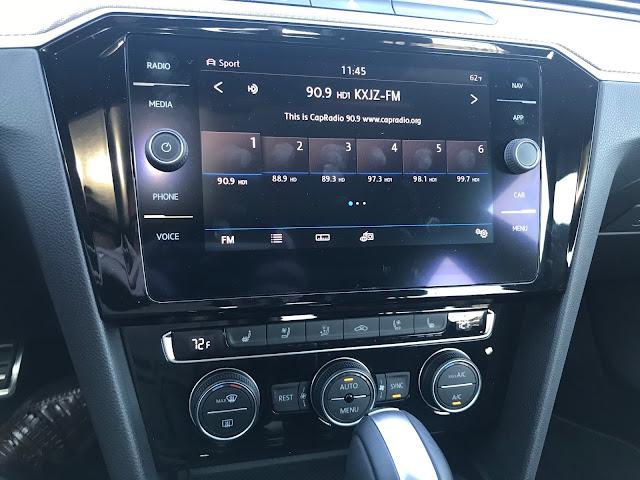 Infotainment and HVAC in 2019 Volkswagen Arteon 2.0T SEL Premium R-Line w/4MOTION