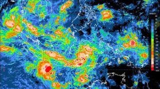 Badai Dahlia melanda jawa dan bali, bmkg, bahaya, waspada,