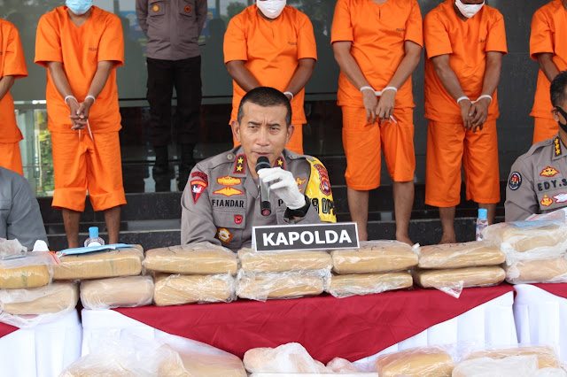 Polisi Tangkap 9  Penyelundup 159 Kg Ganja Antar Provinsi