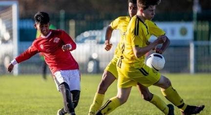 Mola TV Menayangkan Juventus U-17 vs Garuda Select