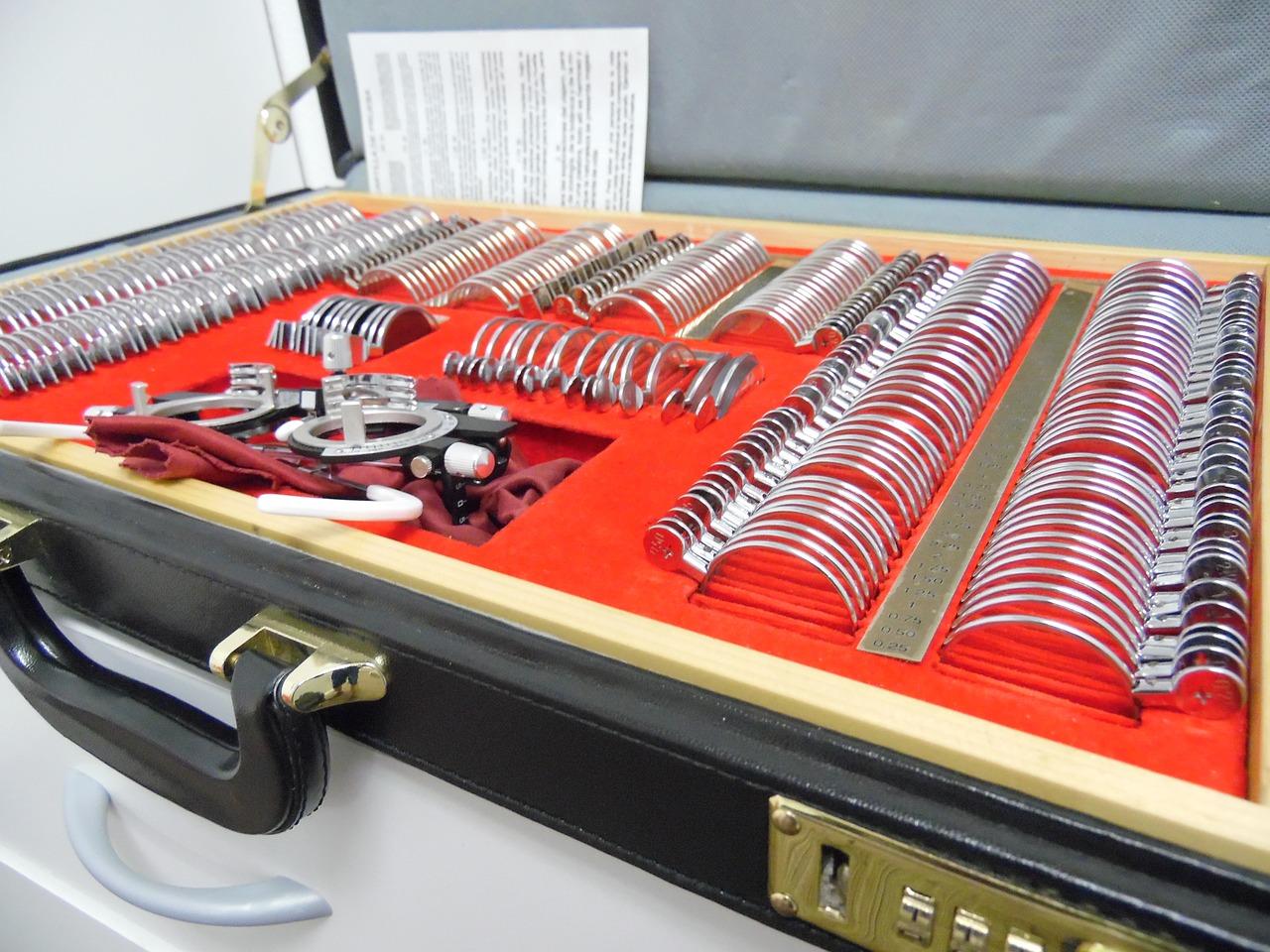 Trial lens set for lens transposition