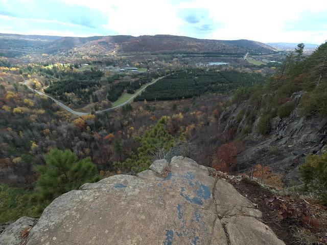 vue sur Prevost au sentier des falaises à Prevost