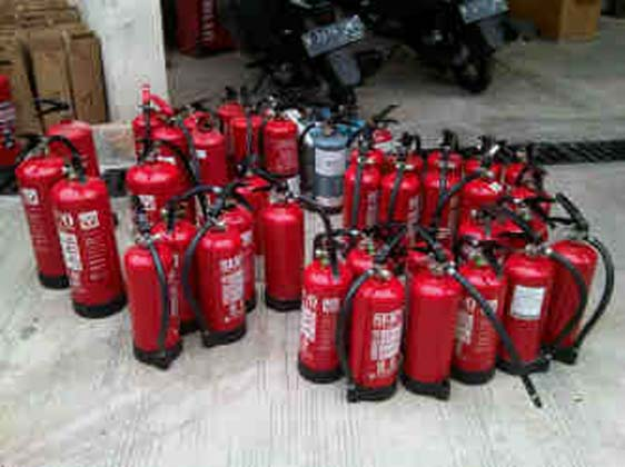 Tabung pemadam kebakaran jenis bubuk dry chemical powder