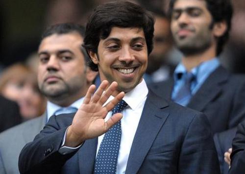 Tỉ phú UAE hỏi mua Liverpool trước khi đến Man City