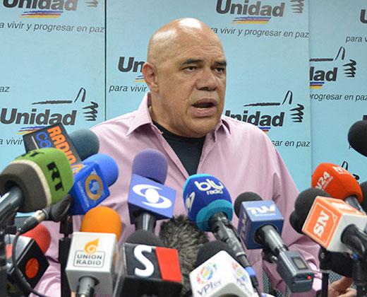 Chúo Torrealba sobre declaraciones de Socorro Hernández: No se dejen confundir