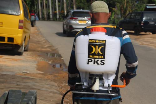 Survei LKSP: Muhammadiyah dan PKS Dipersepsi Lebih Peduli Saat Pandemi