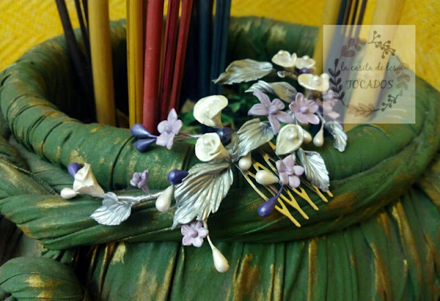 tiara para novia estilo silvestre realizada con porcelana fría