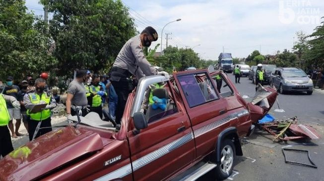 Keajaiban! Kecelakaan Maut Tuban, 6 Rekannya Tewas Tapi Sudarmoko Tak Sedikitpun Terluka