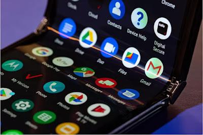 Motorola Razr Foldable Flip phone