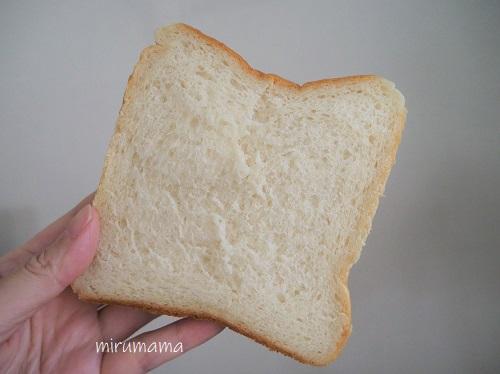 カットした食パン