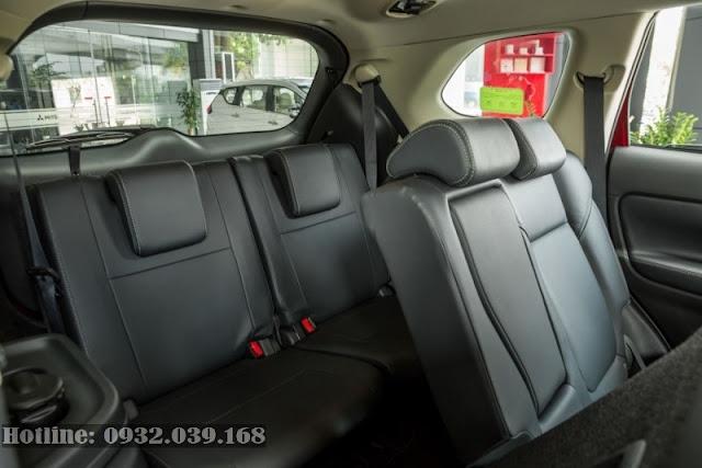 Hàng ghế thứ 3 trên Mitsubishi Outlander 2020