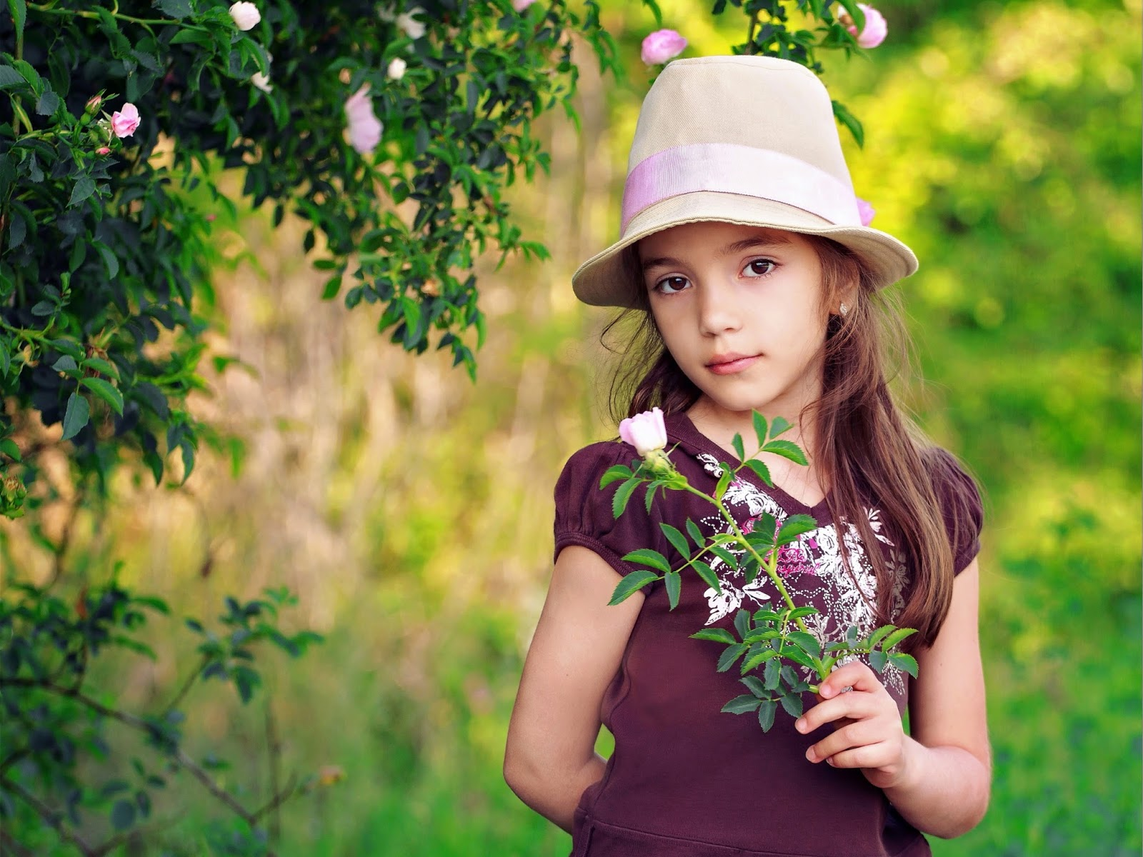 Latest Cute Wallpapers For Mobile Mphoto Cover Cute Girl Babies Wallpapers Very Cute With