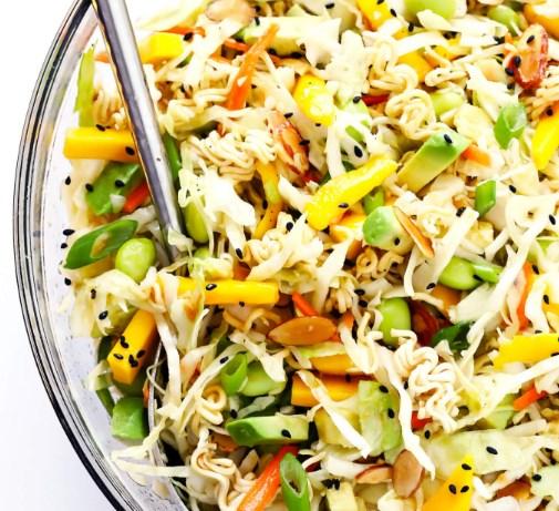 CRUNCHY ASIAN RAMEN NOODLE SALAD #vegan #asianfood