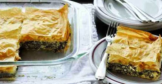 Spanakopita: Holiday Entertaining with Greek Spinach Pie #FallForGreek with Debbie Matenopoulos (+giveaway)