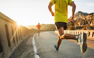 manfaat lari sore hari bagi tubuh