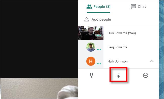 Google Meet انقر على زر كتم الصوت