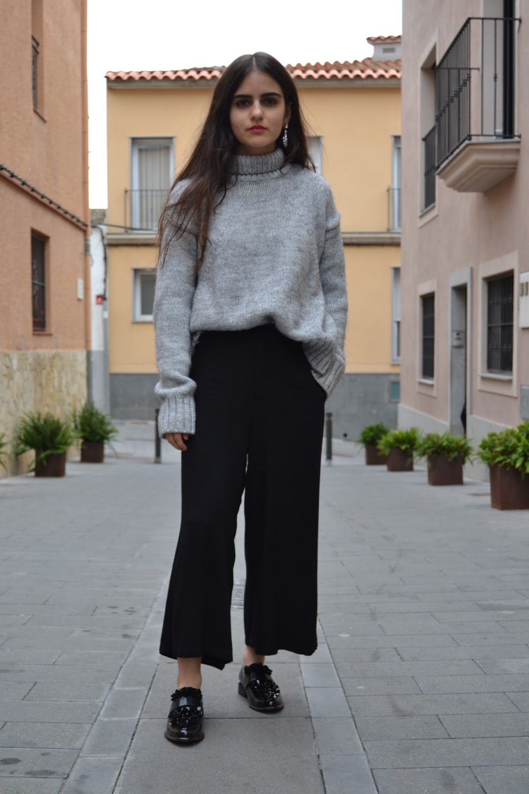 outfit with grey woollen sweater