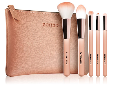 Notino Glamour Collection Travel Brush Set with Pouch