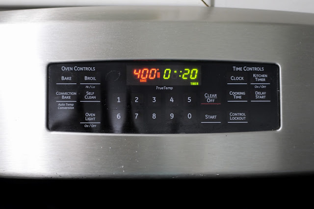 The 400 degree oven with a twenty minute timer.