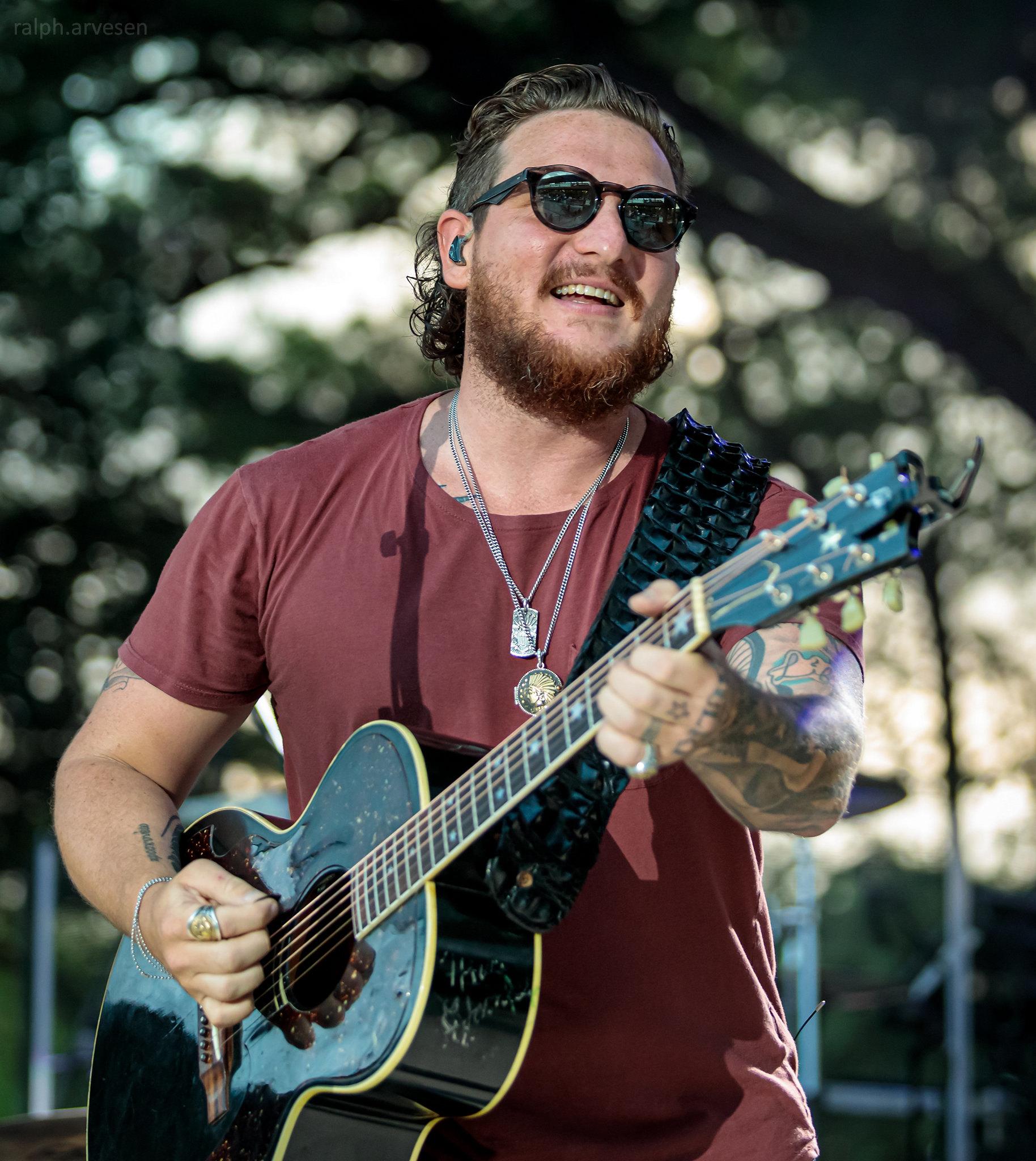 Pryor & Lee | Texas Review | Ralph Arvesen