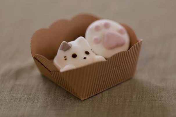 http://www.ufunk.net/en/food/marshmallow-cat/