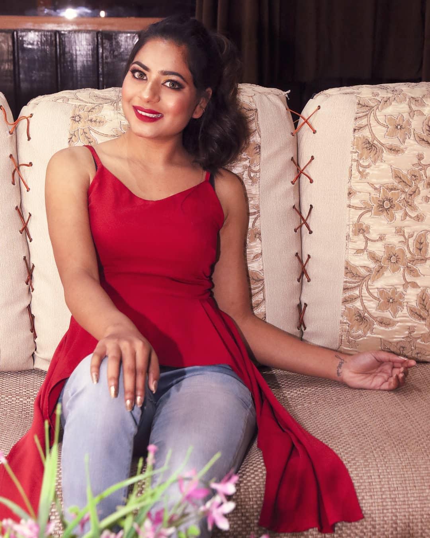 Akanksha hans ullu actress hot photos gallery