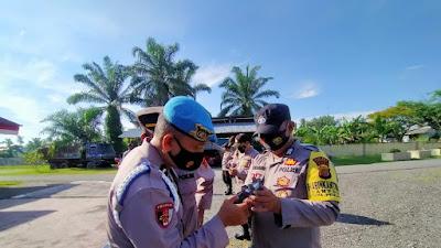 Handphone Personil Polsek Birem Bayeun Di Periksa
