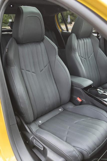 Novo Peugeot 208 2020 - interior