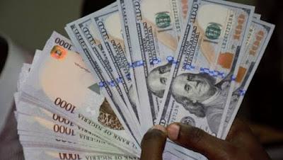 Naira Crashes, Sells At N412 For A Dollar