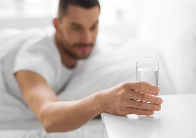 Manfaat Minum Air Putih Setelah Bangun Tidur Secara Rutin