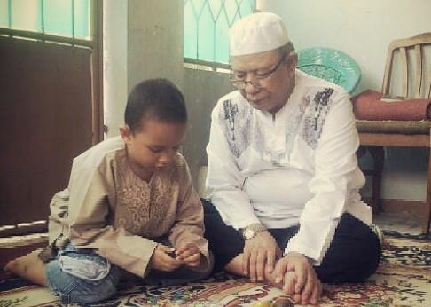 mengajarkan anak puasa ramadhan