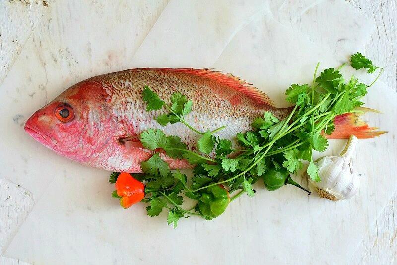 Para preparar el chupe, es ideal el pescado fresco, pargo o mero; entero o en rodajas