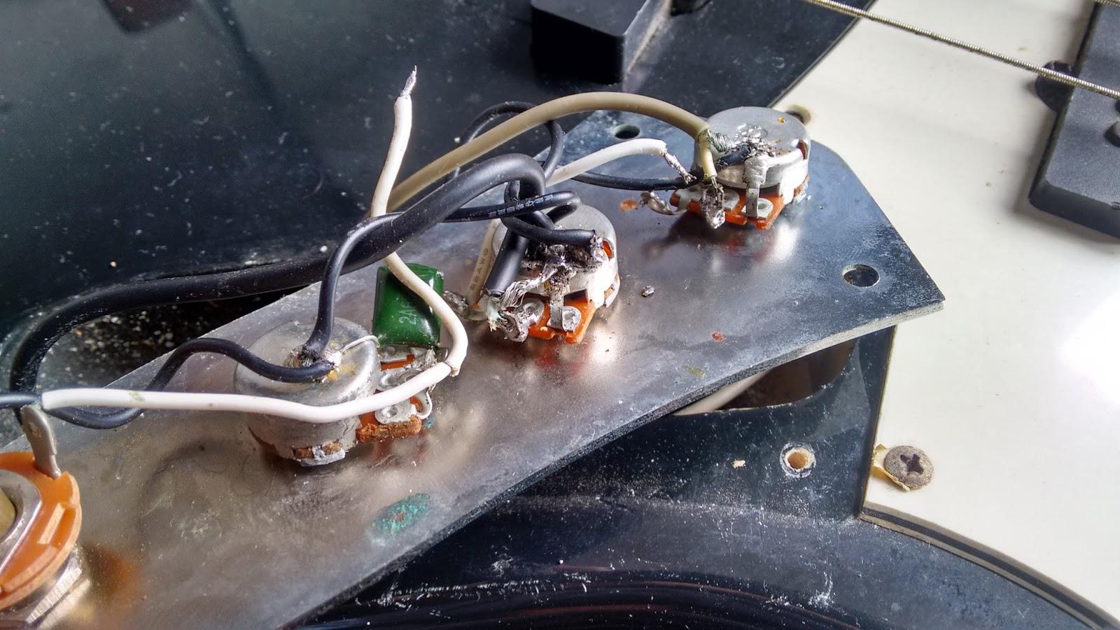 Circuito Jazz Bass : Luthier de garagem refazendo circuito elétrico thomaz jazz bass