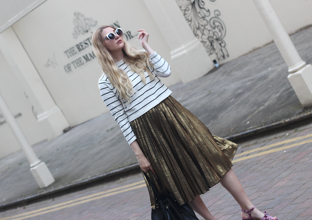 how to wear midi skirt fashion blog